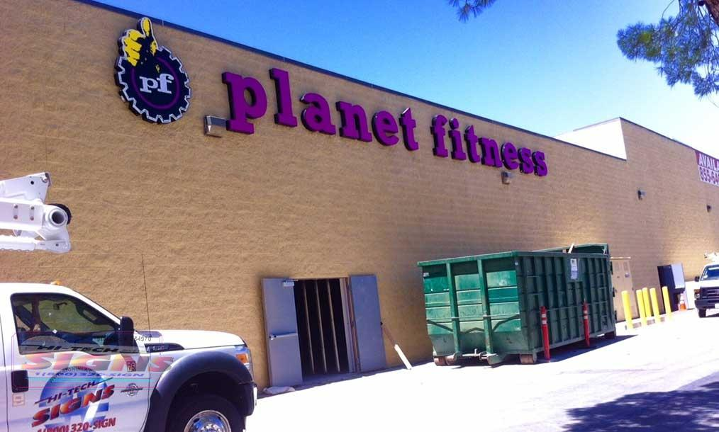 Planet-Fitness-wall-sign-Lancaster-ca